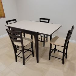 Expandable high top table with 4 chairs for Sale in Los Angeles,  CA