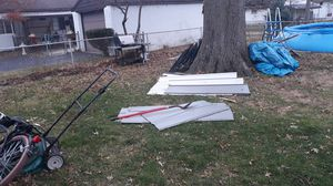 Free metal to 8×10 storage shed for Sale in Columbus, OH