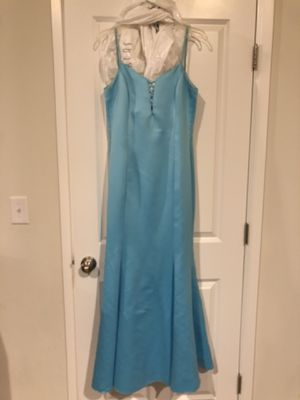 Light blue mermaid dress size 8 for Sale in Puyallup, WA