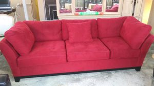 Cindy Crawford couch red for Sale in Coral Gables, FL