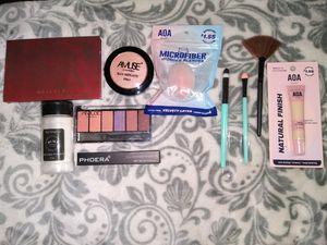Makeup bundle for Sale in Garden Grove, CA