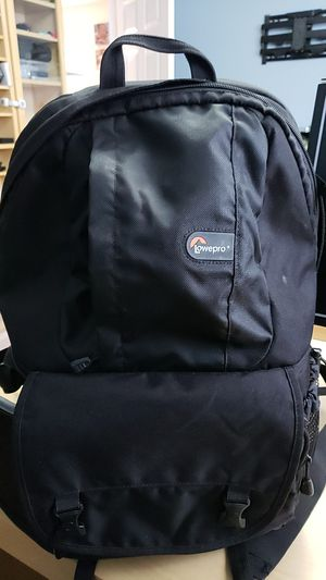 Lowepro camera, laptop, and misc compartment backpack for Sale in Des Plaines, IL