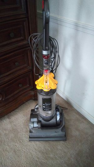Dyson vacuum for Sale in Reedley, CA