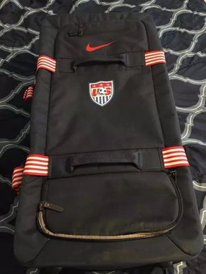 Nike USA Soccer Luggage brand new NWOT for Sale in Wichita Falls, TX