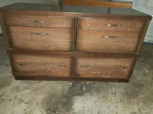 Dresser for Sale in Des Moines, IA