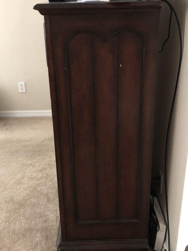 Queen bed set (solid wood) w/ mattress