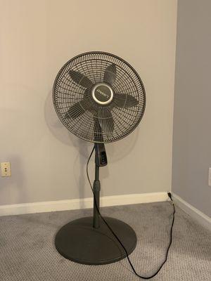 Lasko Pedestal Fan with Thermostat for Sale in Manassas, VA