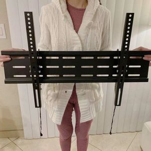 """New LCD LED Plasma Flat Tilt TV Wall Mount stand 37 40"""" 42 46"""" 47 50"""" 52 55"""" 60 65"""" 70 inch tv television bracket 88lbs capacity for Sale in Montebello, CA"""