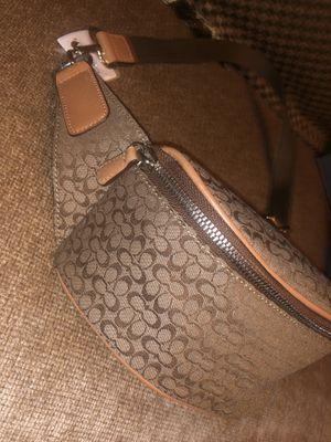Coach signature print belt bag! Fanny pack! Designer bag! Rare! Waist pouch! Travel! Coach purse! for Sale in Friendswood, TX