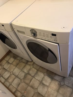 Washer and dryer. Front loading Kenmore's for Sale in Yakima, WA