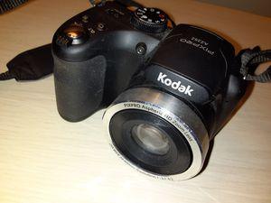 Kodak pixpro az252 digital camera for Sale in Fruitland Park, FL
