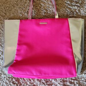 New Beautiful Clinique Tote for Sale in Virginia Beach, VA