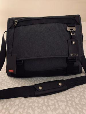 Tumi Northlake Expandable Crossbody Messenger Laptop Bag for Sale in Bridgeville, PA