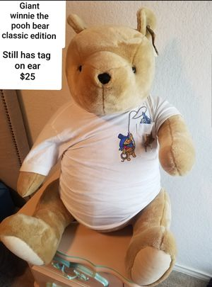 Winnie the pooh giant classic pooh stuffed animals edition with tag for Sale in Kyle, TX