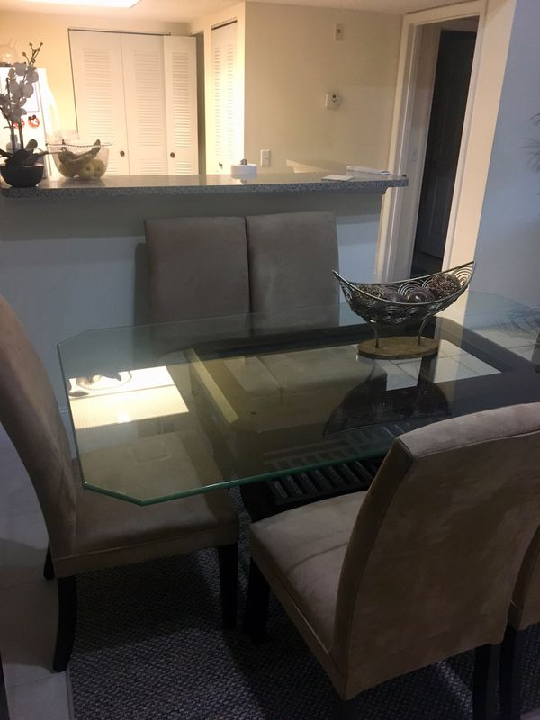 Dinner Glass Top Table w/6 chairs