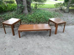 Mid Century Lane acclaim coffee and end table set for Sale in Tampa, FL