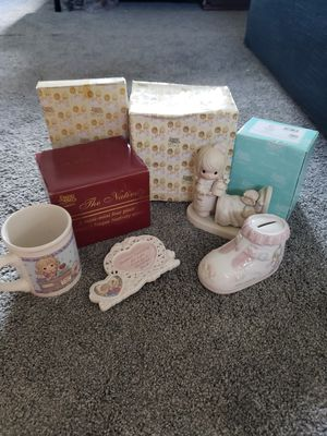 Precious Moments Collection 8 pieces total for Sale in Apopka, FL