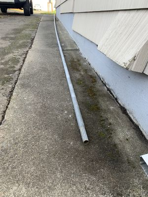 35ft x 1 1/4in chainlink fence pipe (top rail) for Sale in Tacoma, WA