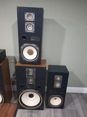 Fisher speakers and amplifier for Sale in LAKE CLARKE, FL