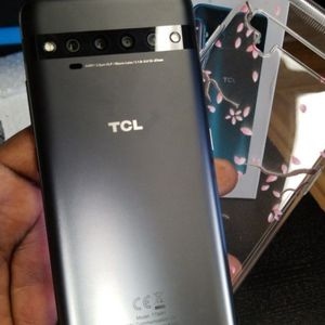TCL 10 PRO DUAL SIM UNLOCK for Sale in Tacoma, WA