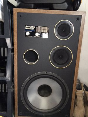 Two authentic house speakers! Great condition! Can hook them up to the surround sound! 20$! for Sale in Joint Base Pearl Harbor-Hickam, HI