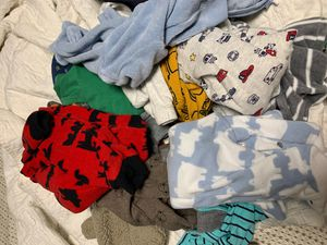 Newborn clothes almost new (Carters?s) plus newborn and size 1 diapers for Sale in undefined