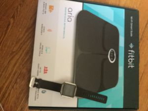 Fitbit Blaze watch and scale for Sale in Cleveland Heights, OH