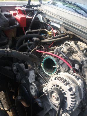 2011 silverado 4.8 motor for Sale in San Antonio, TX
