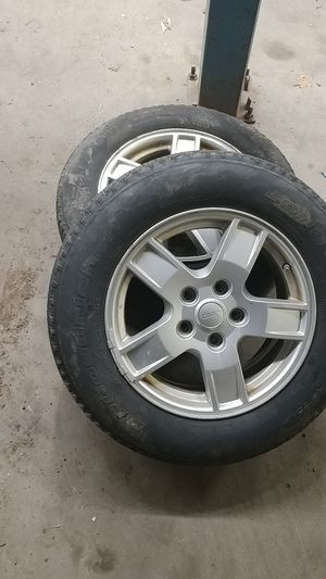 Jeep grand Cherokee 17inch wheels 235/65/17 for Sale in Providence, RI