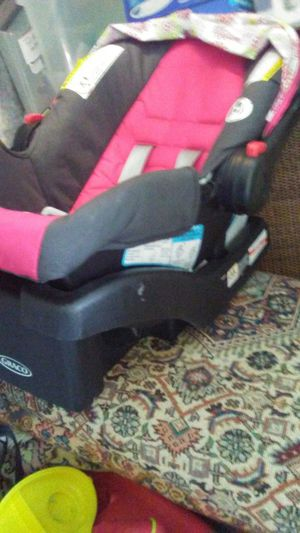 Graco car seat for Sale in Upper Darby, PA