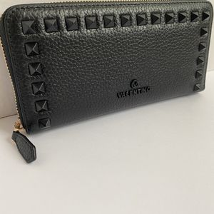 Authentic Valentino Wallet Brand New! 100% Authentic for Sale in Vienna, VA