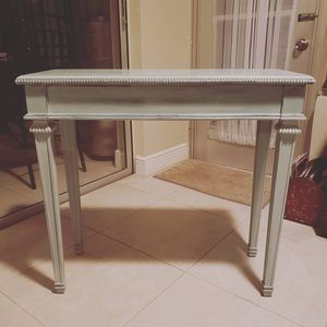 Hall table with 2 drawers for Sale in Fort Lauderdale, FL