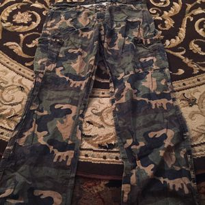 MENS CAMO PANTS-size38-$8 for Sale in Columbus, OH