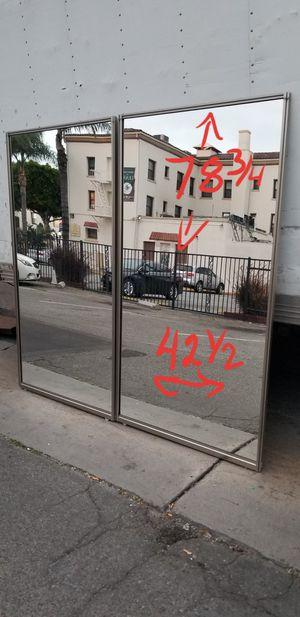 Puertas para clóset de espejo con Marcos de aluminio seminueva $50 cada una o para tu zumba for Sale in Santa Ana, CA