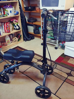 Knee scooter for Sale in Vancouver, WA