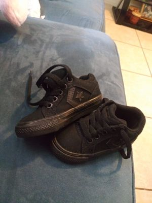 Size 5 converse for Sale in Tampa, FL
