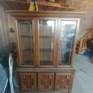 Beautiful China Hutch for Sale in Magna, UT