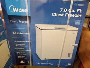 Chest Freezer 7.0 Midea. for Sale in Orlando, FL
