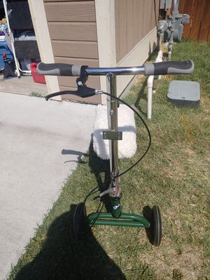 Knee scooter for Sale in Kennewick, WA