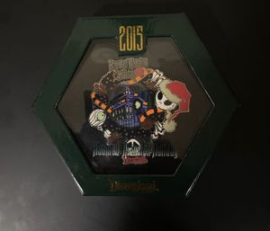 Disneyland Nightmare Before Christmas Big Pin Limited 500 for Sale in Rosemead, CA