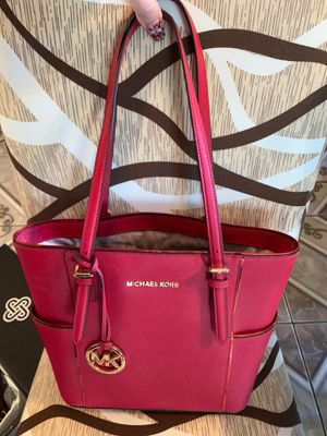 Authentic Micheal Kors Red bag for Sale in El Paso, TX