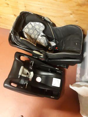 Britax used car seat for Sale in Warwick, RI