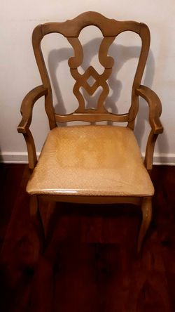 Arm Rest Chair for Sale in Detroit,  MI
