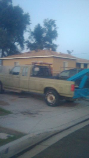 1989 Ford Tow Truck, runing great, clean title on hand, PNO on DMV for Sale in Bloomington, CA