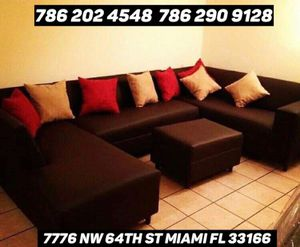 Dark brown sectional couch for Sale in Miami, FL