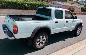 POWER OPTIOSN 2003 TOYOTA TACOMA WELL MAINTAINED for Sale in Pittsburgh, PA