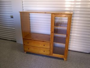 TV stand with drawers and shelves for Sale in Colorado Springs, CO