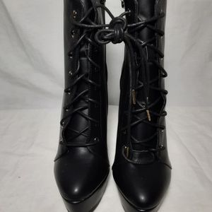 Shoedazzle Lela Women's Black High Heel Platform Lace up Ankle Boots Size 9 New for Sale in College Park, GA