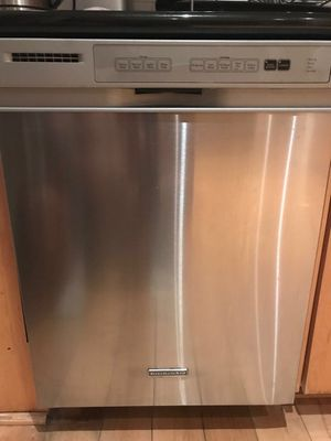 Dishwasher very good condition Kitchen Aid for Sale in Los Angeles, CA