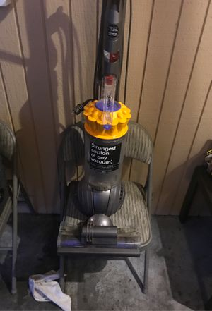 Dyson multifloor. Great condition refurbished. New world 🌎 vacuums. Lakewood for Sale in University Place, WA